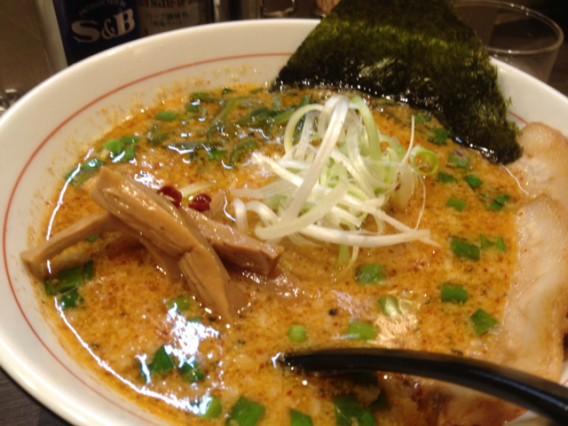 草加市の東京とんこつラーメン杉島改のしびれ味噌ラーメン